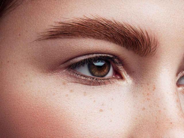 画像1: 自然な太眉=濃い色ではない