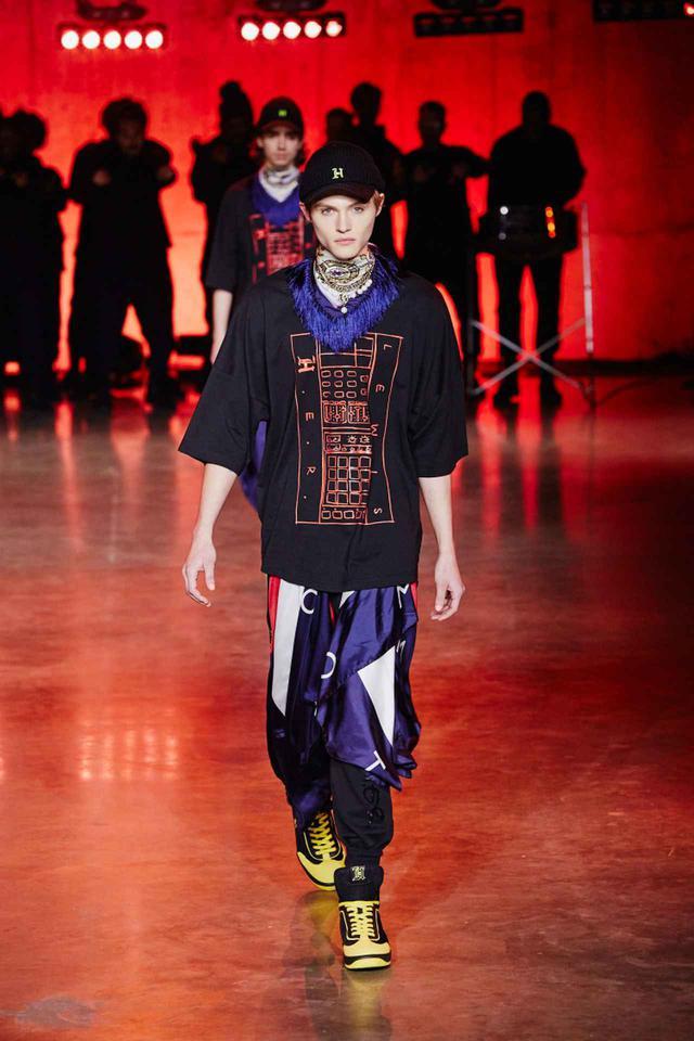 画像: トミー・ヒルフィガーのファッションショーにて。