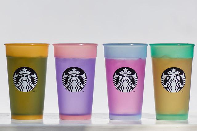 画像2: 『カラーチェンジングコールドカップセットNOFILTER』 2,860円(税込み) 2021年4月19日(月)よりスターバックス オンラインストア限定で販売。 ※なくなり次第終了 ©︎スターバックス コーヒー ジャパン