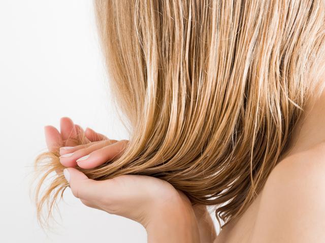画像: 太い髪:高温で乾いた髪を巻く