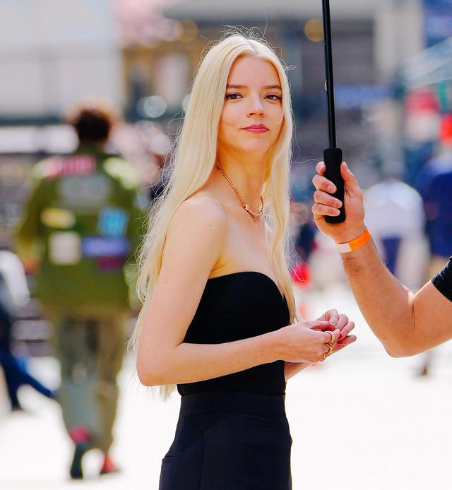 画像4: NYでティファニーのキャンペーンを撮影中のアニャをキャッチ