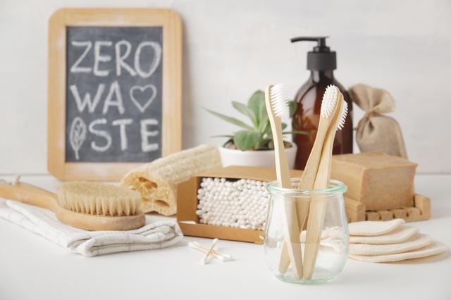 画像1: 海洋プラスチックごみの1%を占める歯ブラシ
