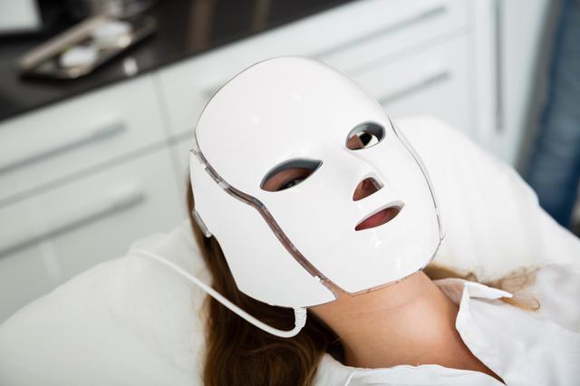 画像1: セレブ愛用のLEDマスクで「おうちでエステ」体験
