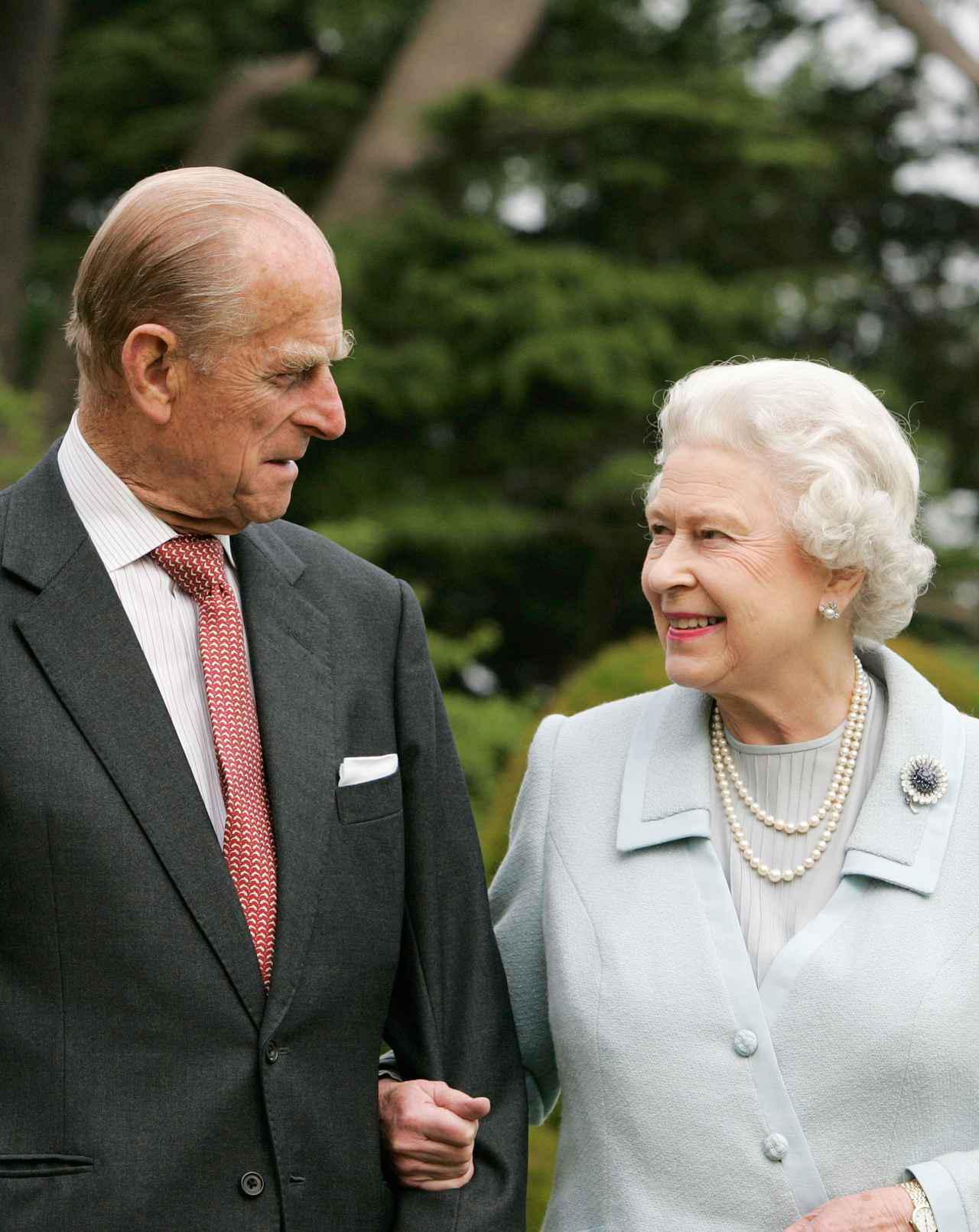 画像: フィリップ王配がエリザベス女王の「ある行動」に苦言