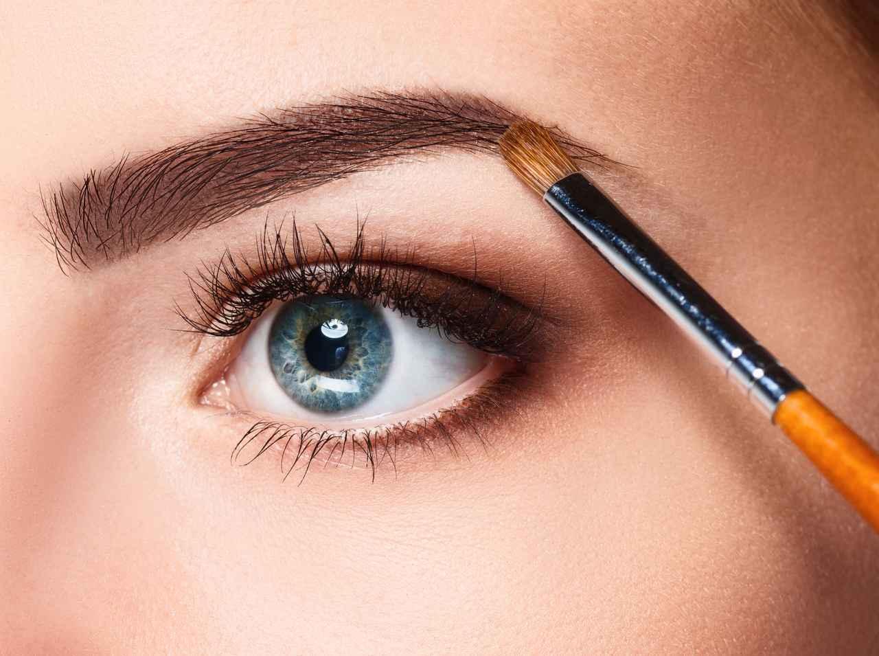 画像: 2種類以上の眉コスメを使う