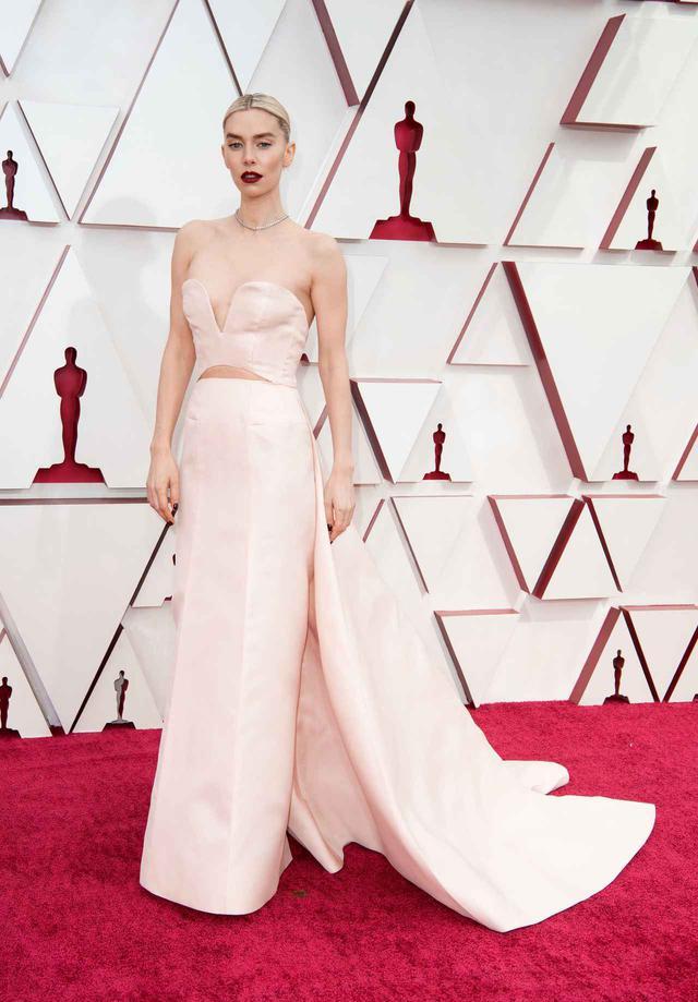 画像1: ヴァネッサ・カービーがアカデミー賞授賞式に参加