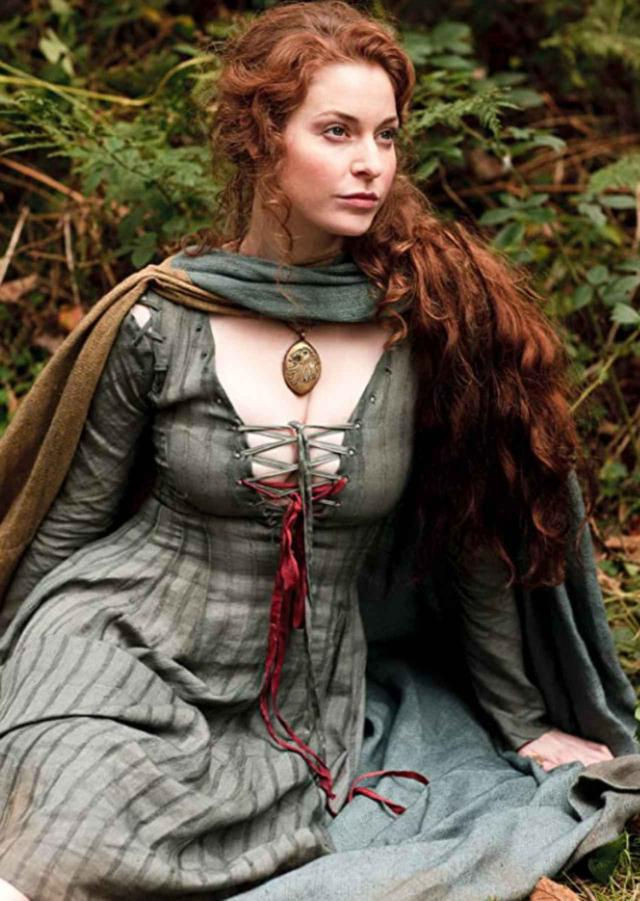 画像: 『ゲーム・オブ・スローンズ』でエスメが演じた娼婦のロス。©HBO /Album/Newscom