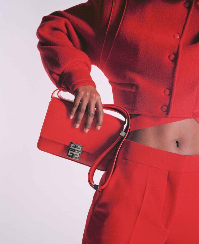 画像1: モダンでタイムレスな、どんなスタイルにもマッチする理想的なバッグ