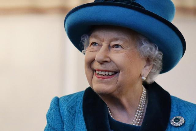 画像: エリザベス女王がアダルトグッズ会社にお墨付きを与える
