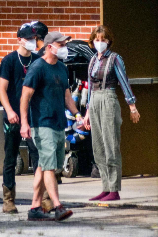 画像2: マヤ・ホーク演じるロビンのファッション