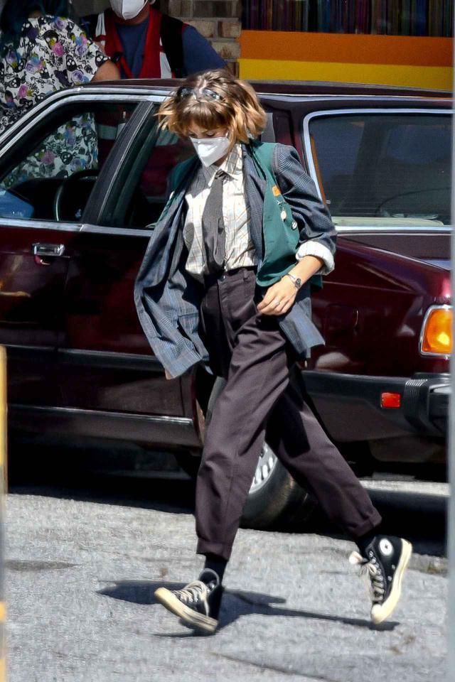 画像1: マヤ・ホーク演じるロビンのファッション