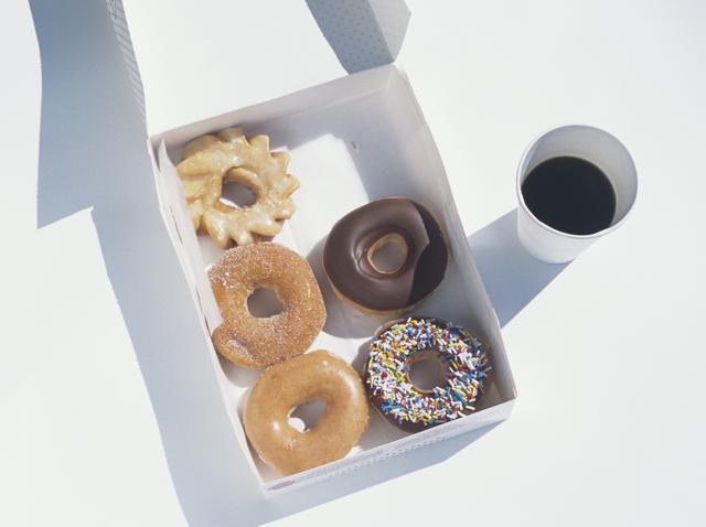 画像: 食べることを我慢しすぎる