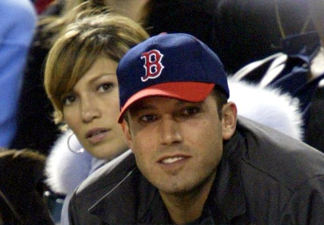 画像: 2003年に撮影された写真。ジェニファーもベンと交際していた時はレッドソックスの試合を一緒に見に行っていた。