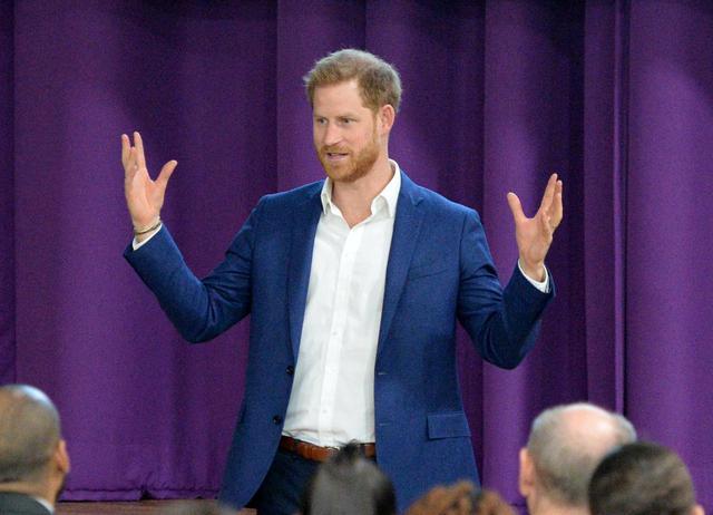 画像: ヘンリー王子が全裸写真流出騒動に言及
