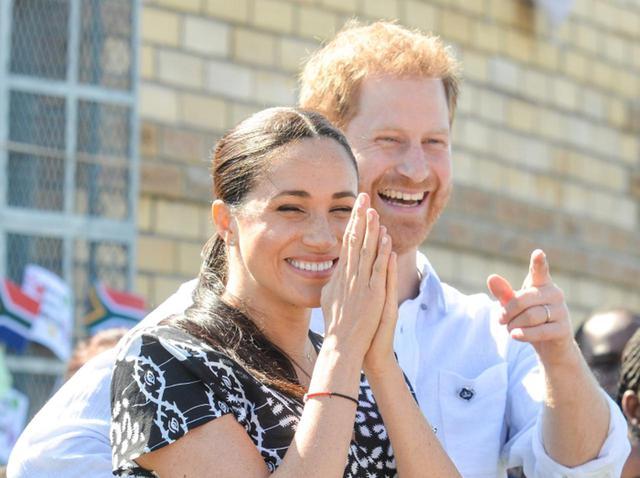 画像: ヘンリー王子&メーガン妃、「スーパー」でのお忍びデートがこそばゆい - フロントロウ -海外セレブ情報を発信