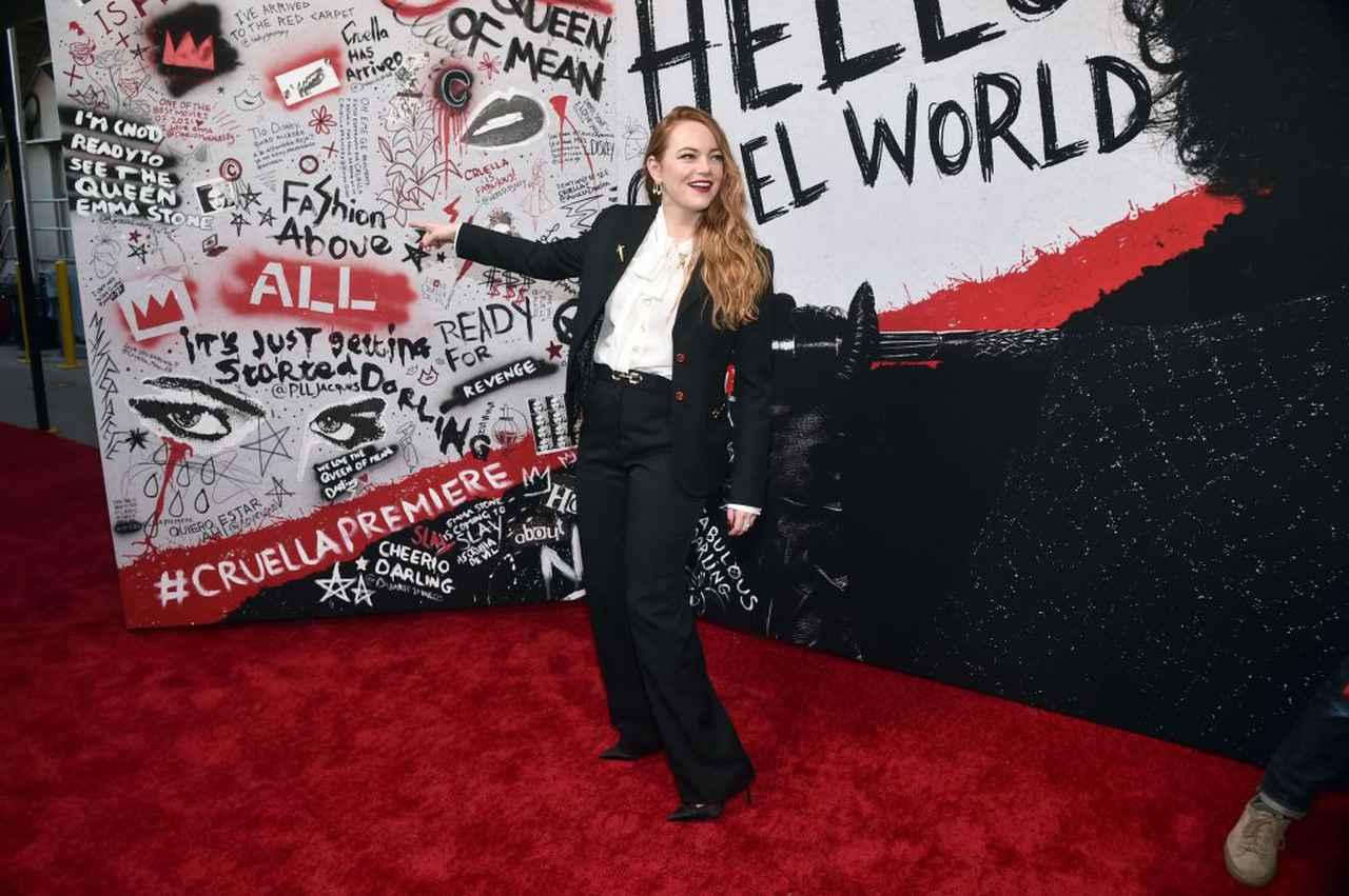画像: 米ロサンゼルスで行なわれた映画『クルエラ』のワールドプレミアにて。