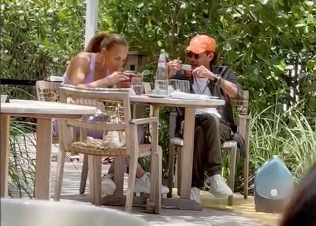 画像: ジェニファー・ロペスが元夫と食事へ