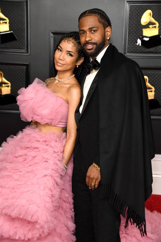 画像: 第63回グラミー賞授賞式に交際中のジェネイ・アイコと共に出席したビッグ・ショーン