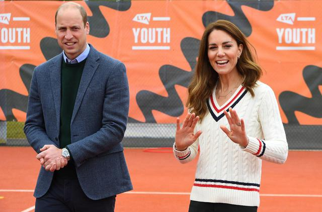 画像: ウィリアム王子&キャサリン妃が弟夫妻を祝福