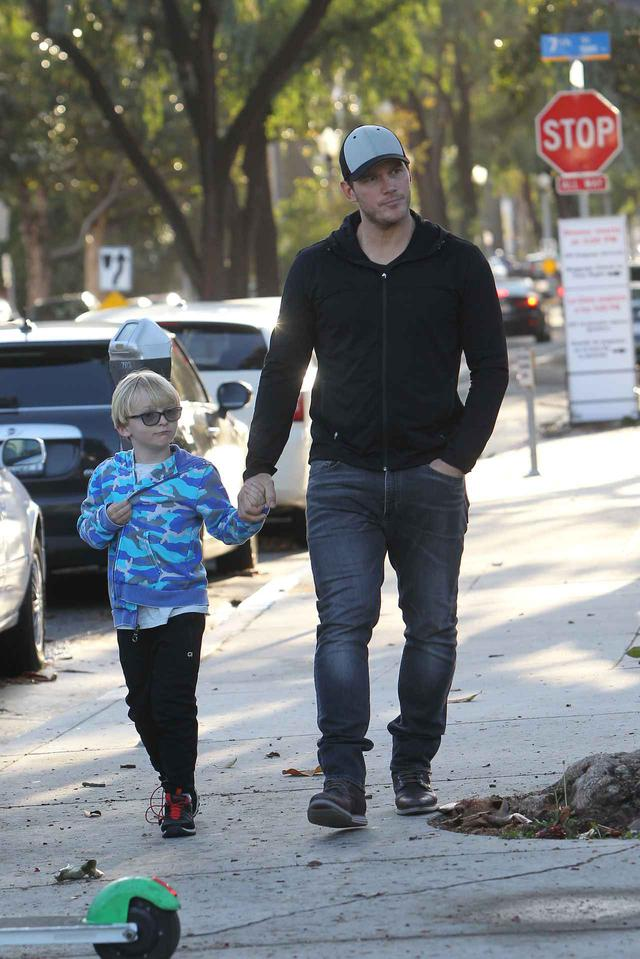画像: クリス・プラットと息子のジャック。