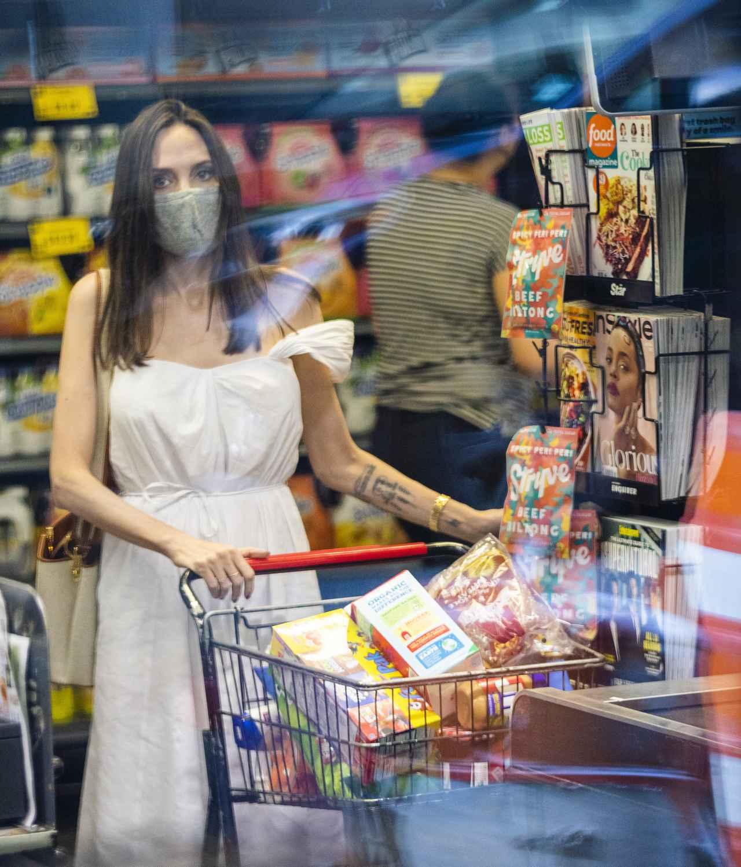 画像3: アンジェリーナ・ジョリーが近所のスーパーに降臨
