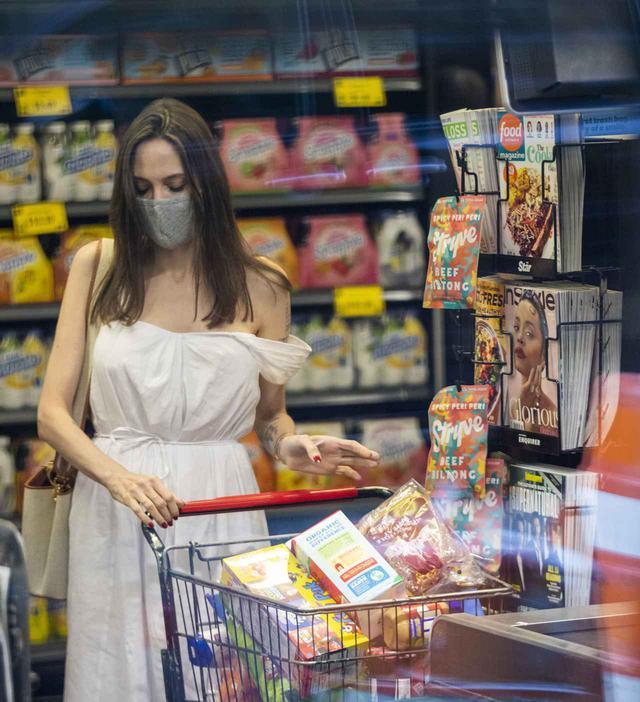 画像2: アンジェリーナ・ジョリーが近所のスーパーに降臨