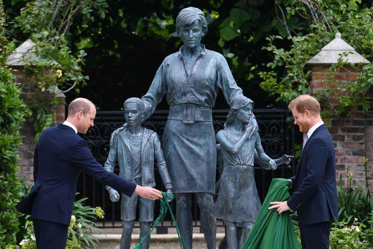 画像1: ウィリアム王子&ヘンリー王子が関係改善に前進!?