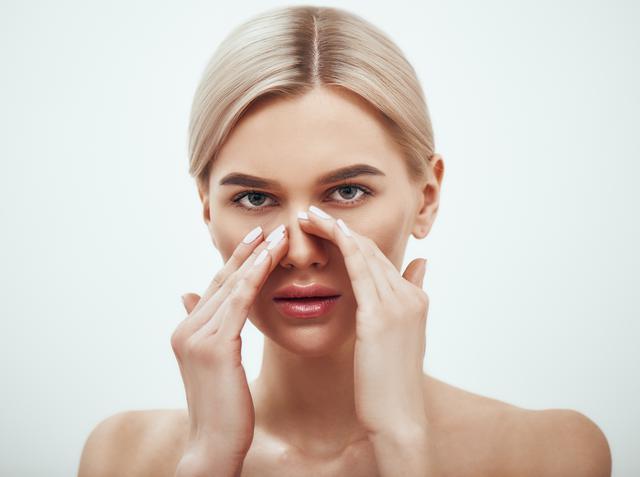 画像: 小鼻のメイク崩れを予防する3つのコツ