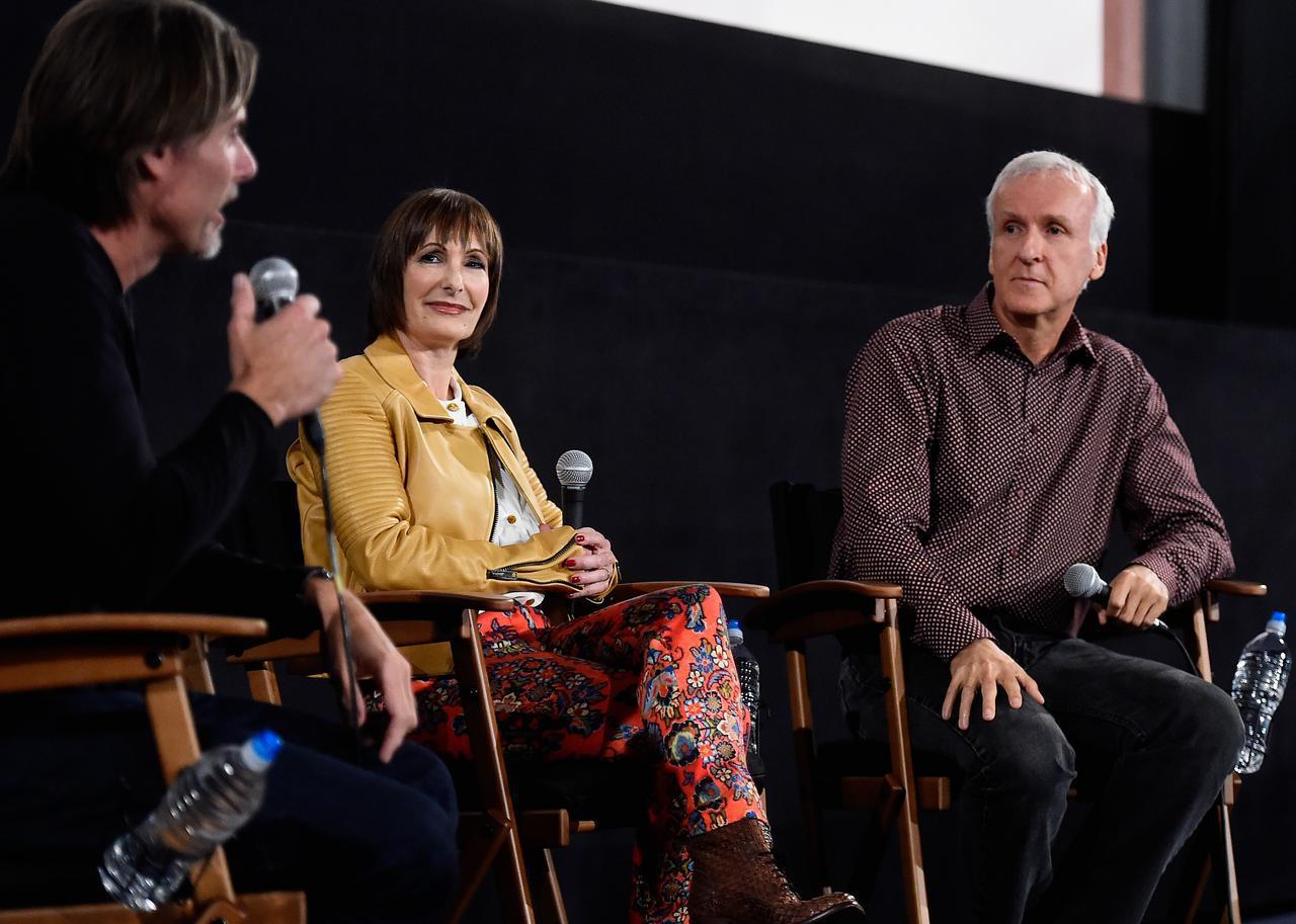 画像: 2014年に『ターミネーター』30周年記念イベントに出席したゲイル・アン・ハードとジェームズ・キャメロン。