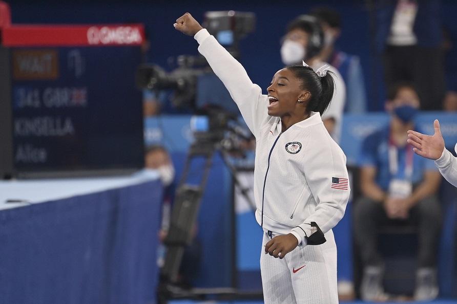 画像: バイルズ選手が抜けたアメリカ女子体操チームは同種目で銀メダルを獲得した。