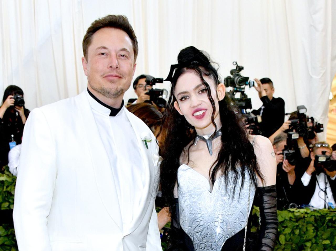 画像: 世界3位の大富豪イーロン・マスクが恋人のグライムス
