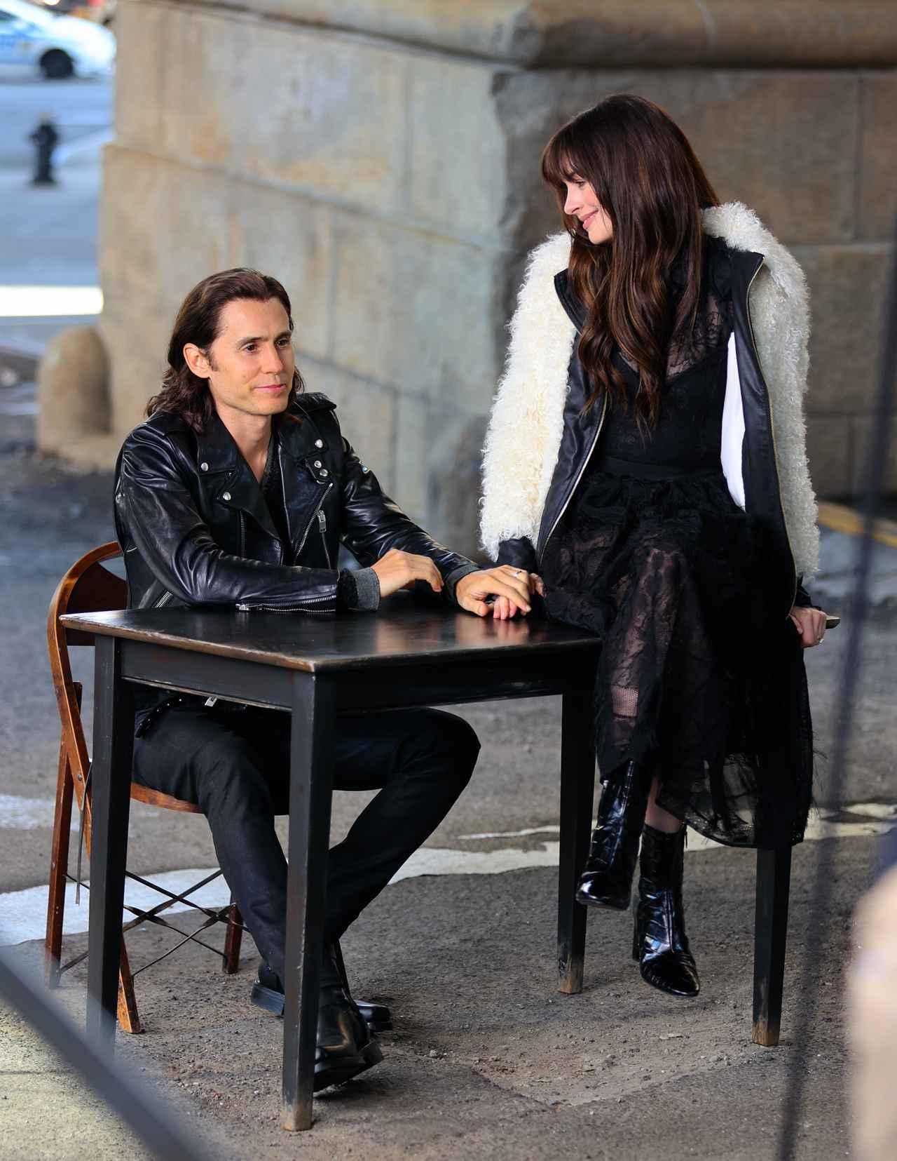 画像5: アンハサとジャレッドがカップルコーデ