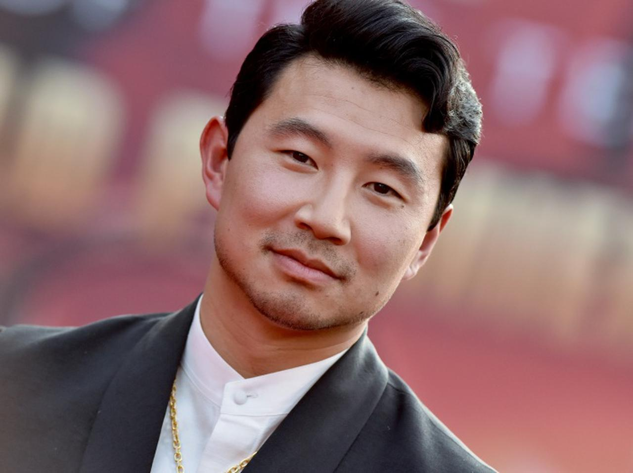 画像: 『シャン・チー』シム・リウが語る、MCUでアジア系ヒーローが描かれることの重要性 - フロントロウ -海外セレブ&海外カルチャー情報を発信
