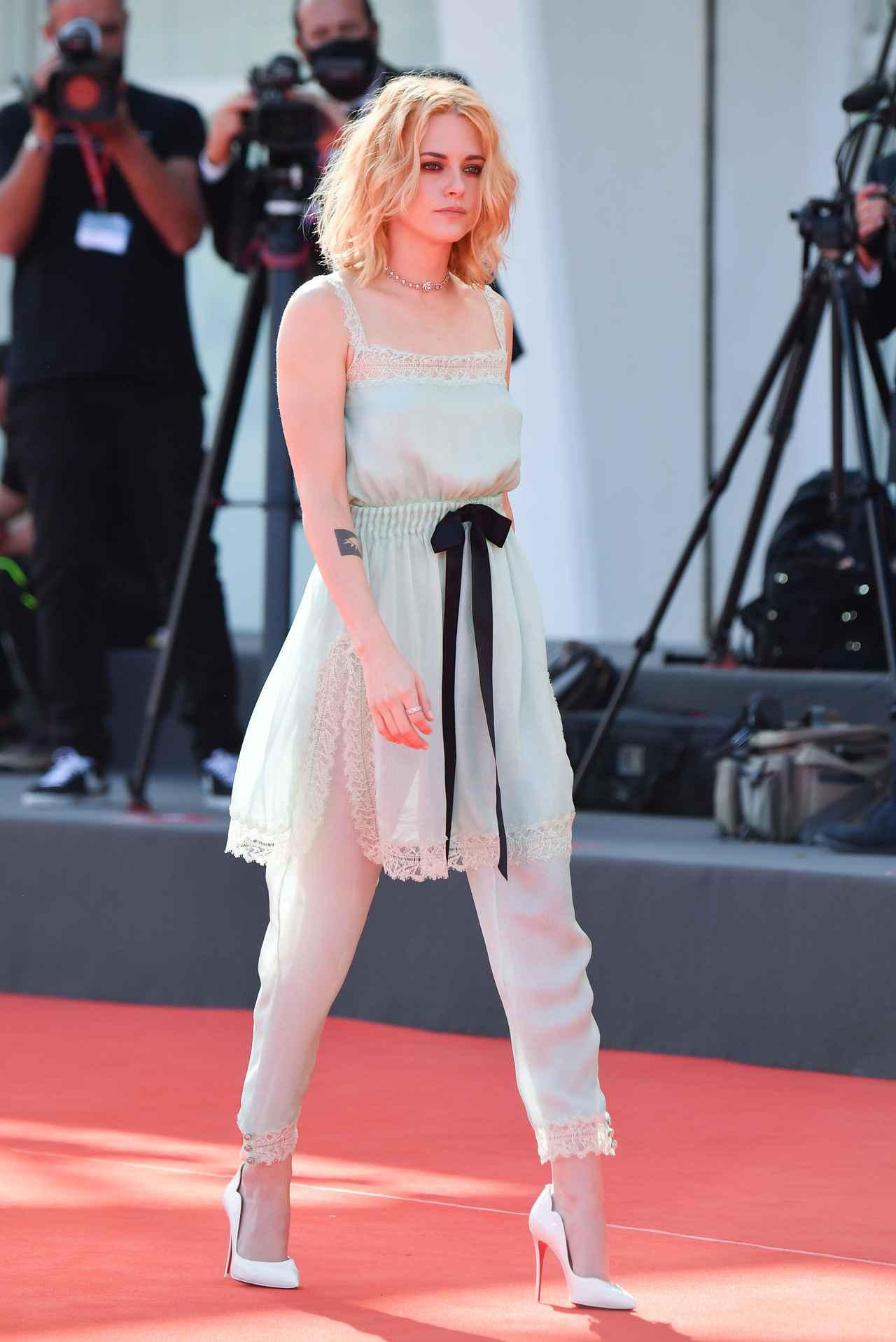 画像1: ヴェネチア国際映画祭にクリステン・スチュワートが登場