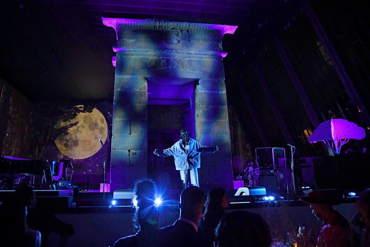 画像3: ジャスティン・ビーバーが「ベイビー」を含むヒット曲を熱唱