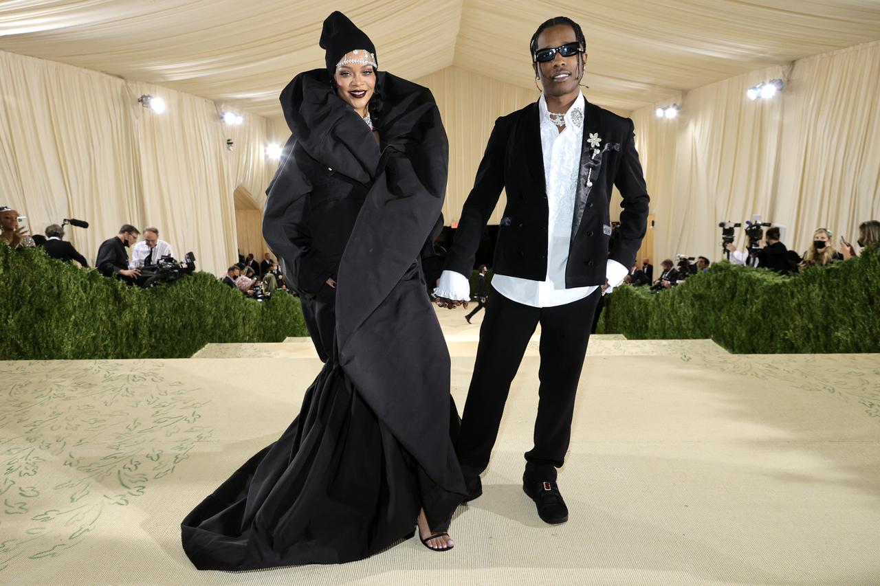 画像12: リアーナとエイサップ・ロッキーがMet Galaでカップルデビュー
