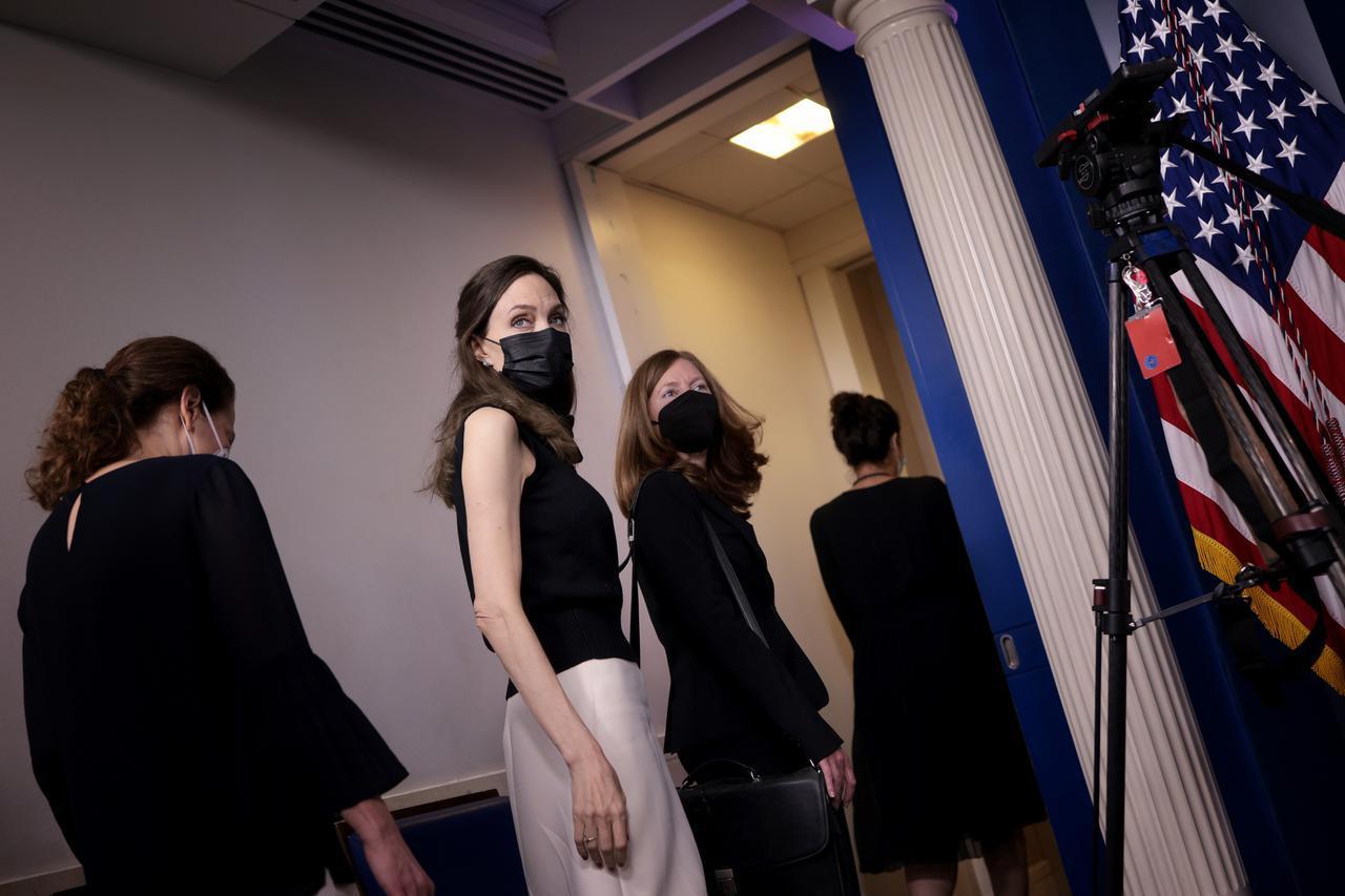 画像: アンジェリーナ・ジョリーがホワイトハウスで会合に参加