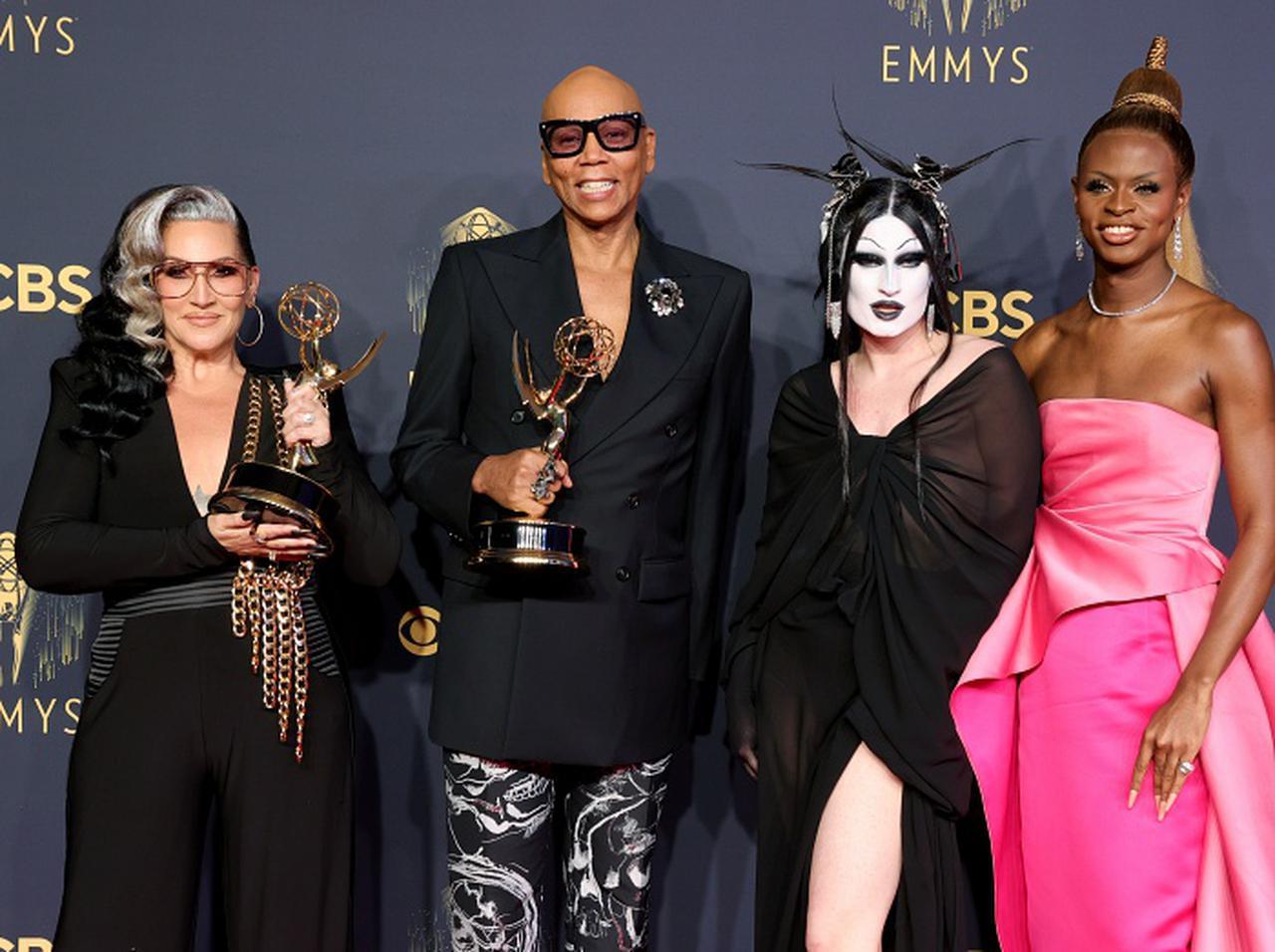 画像: 今年のエミー賞は「トマトレッド」が大人気