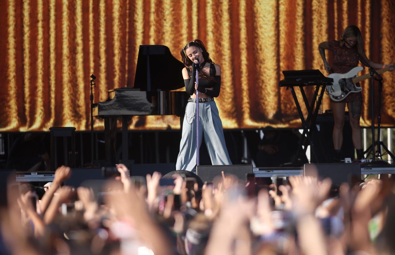 画像3: オリヴィア・ロドリゴがiHeartRadio Music Festivalで初ライブ