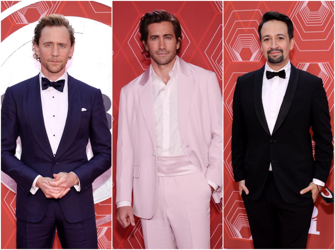 画像: 左から、トム・ヒドルストン、ジェイク・ギレンホール、リン=マニュエル・ミランダ