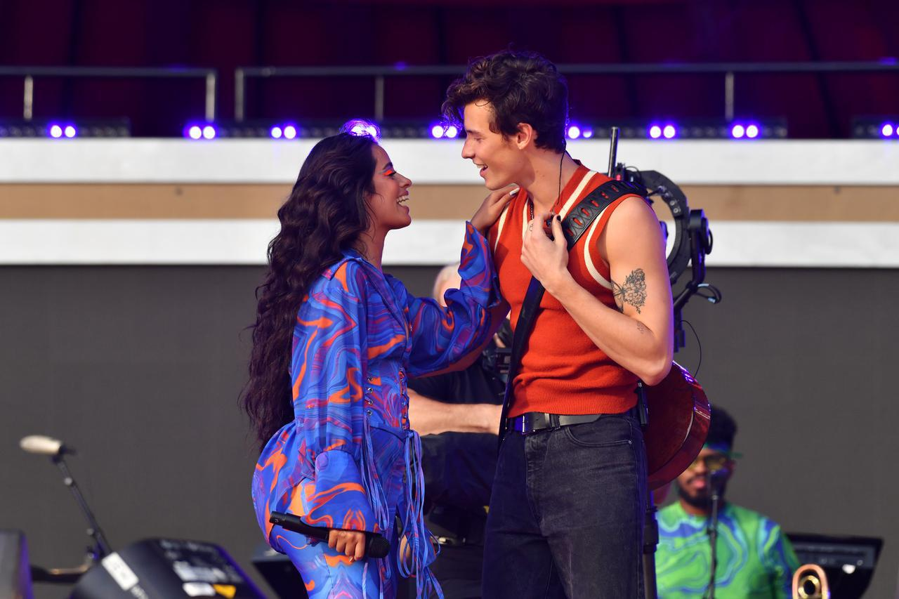 画像3: ショーン・メンデス&カミラ・カミラが一緒にパフォーマンスを披露