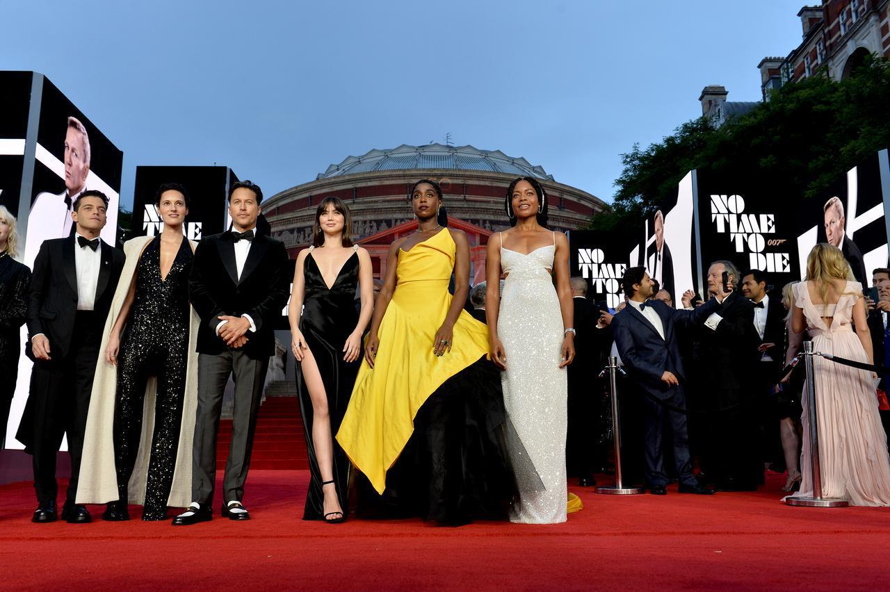 画像: 『007/ノー・タイム・トゥ・ダイ』のワールドプレミアに登場したキャストや制作陣。
