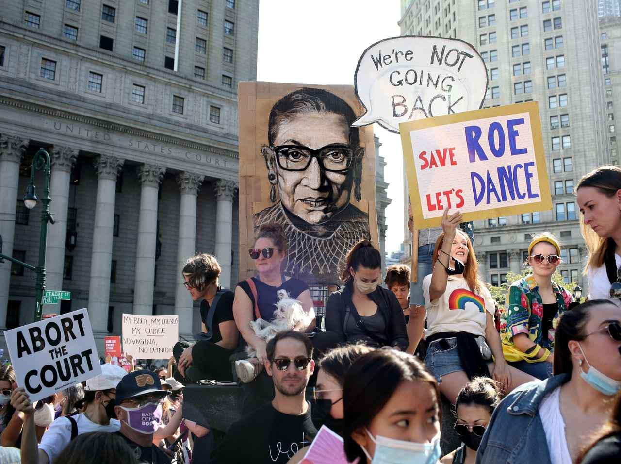 画像: 「私の体、私の選択」アメリカでウィメンズ・マーチ、女性の思いを代弁する『言葉』の数々! - フロントロウ -海外セレブ&海外カルチャー情報を発信