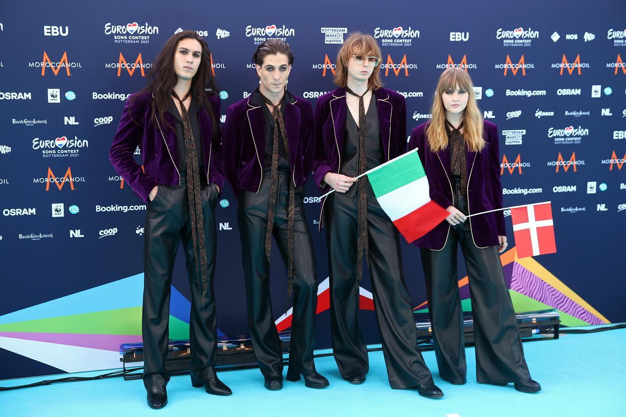 画像: 【左から】イーサン・トルキオ(ドラム)、ダミアーノ・デイヴィッド(ボーカル)、トーマス・ラッジ(ギター)、ヴィクトリア・デ・アンジェリス(ベース)。