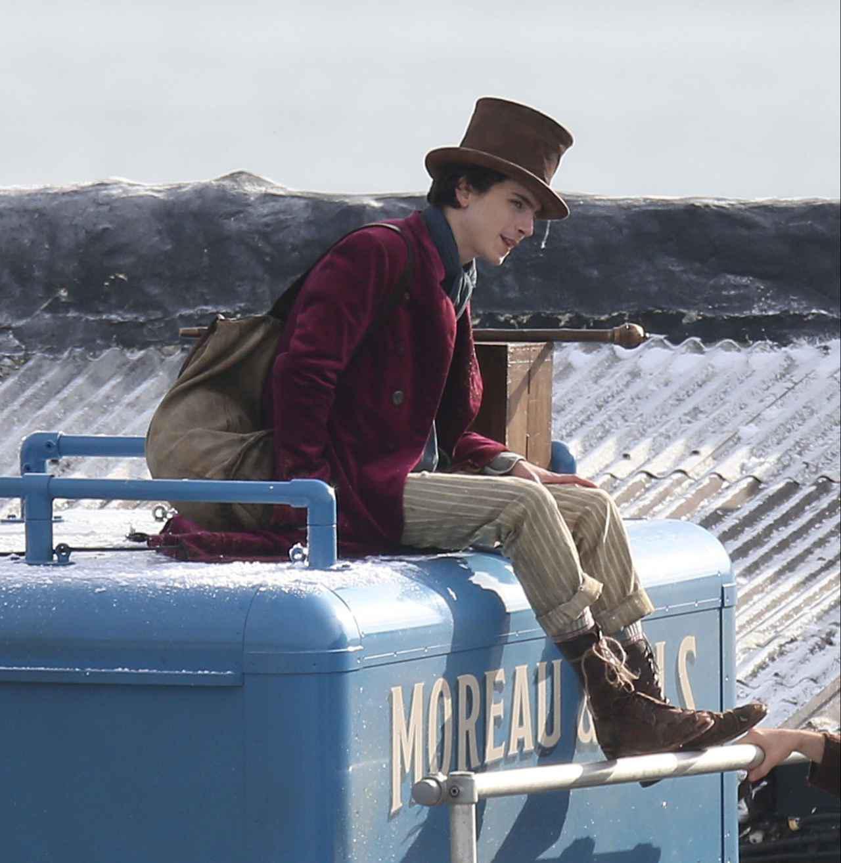 画像: 『Wonka』撮影中のティモシー・シャラメ。