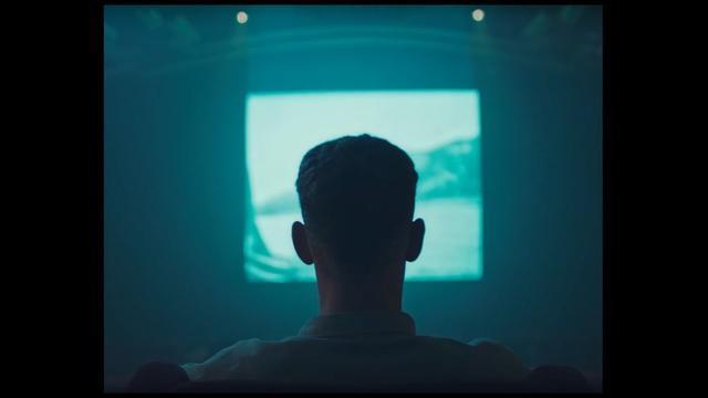 画像: Tom Misch - Movie (Official Video) www.youtube.com