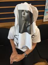 画像: 宇多田ヒカルさんの「オリジナル・Tシャツ」を【3名様】にプレゼント!