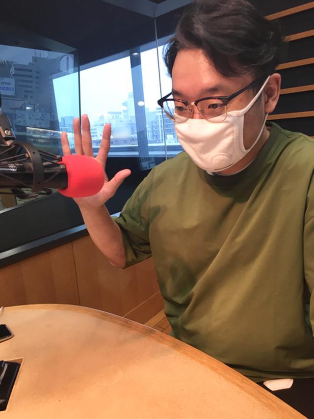 画像: 横田さんはスタジオにいらっしゃらないので、えんどぅさんのソロ写真です。