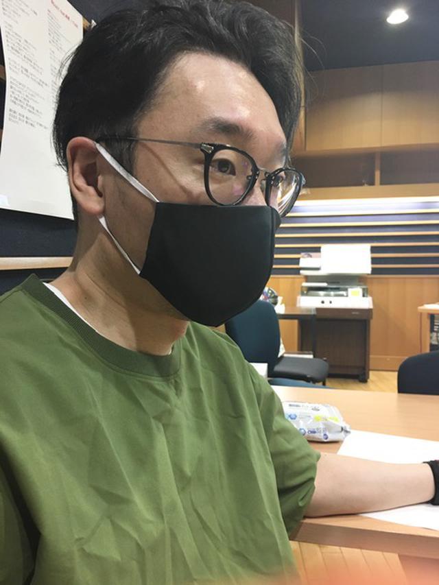 画像: 今日は黒マスクです!