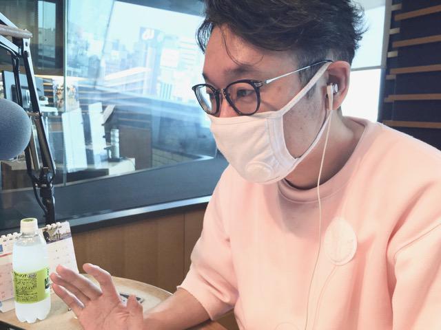 画像: 尾崎さんはスタジオにいらっしゃらないので、えんどぅさんのソロ写真となります。